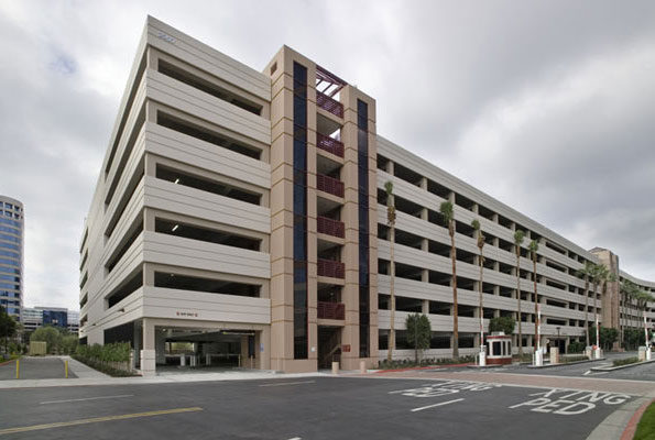 Plaza Opus Center Irvine III Park Parking Structure